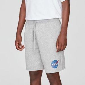 Basic Bermuda sweat shorts with NASA logo
